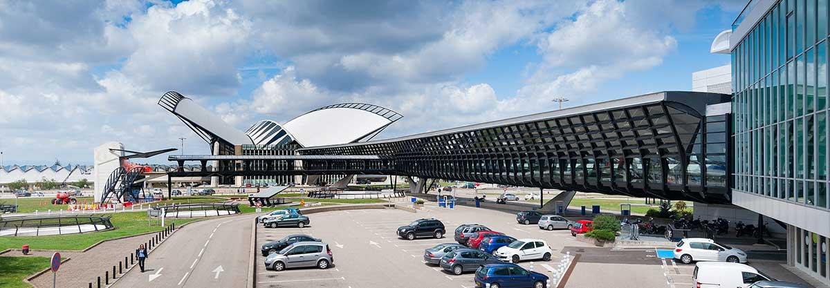 transfert vtc taxi aéroport lyon